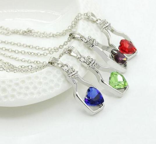 Europe and The United States Fashion Style Bottle Shape Love Crystal Necklace
