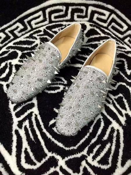 New Designer Spikes Flat Silver Low Heels Silver Rivets Fashion Mens Gentlemen Loafers Dress Wedding Shoes Men Slip On Oxford Flat Shoes Pumps Shoes