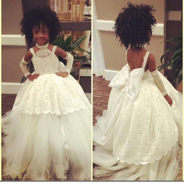 Custom Made White Flower Girl Dresses for Vintage Wedding Halter Bow Sequin Lace Tutu 2017 Cheap Baby First Communion Party Birthday Dresses