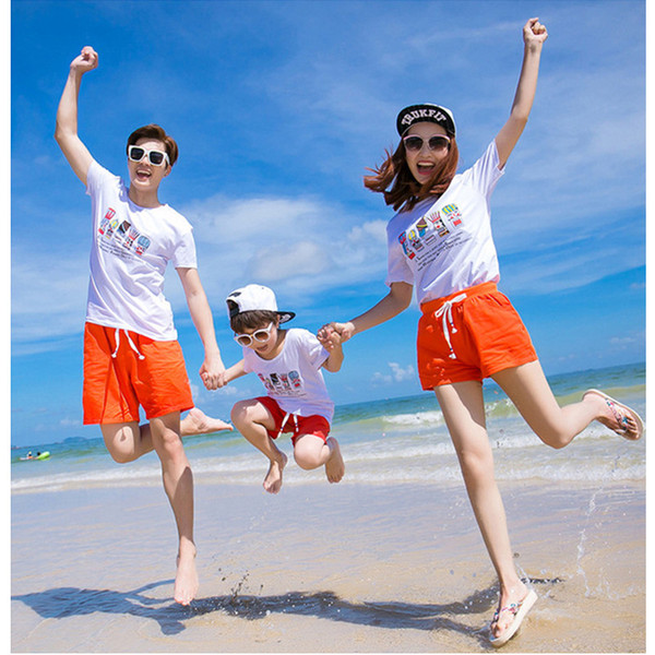 Familie Sommer Poker Druck Casual Outfits 2pc Set König Königin drucken weiß T-Shirt + Red Hose Familie passenden Blick Strand Kleidung