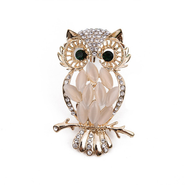 Retro collection Gold Owl Brooch Alloy Plating Individual Corsage Cat Eye