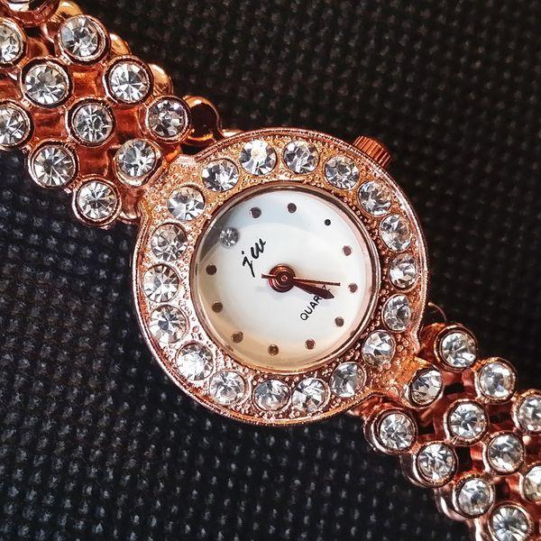 New New Fashion Rhinestone Watches Women lady Luxury Brand Cheap alloy watches Ladies Quartz Dress Watches China watch Suppliers