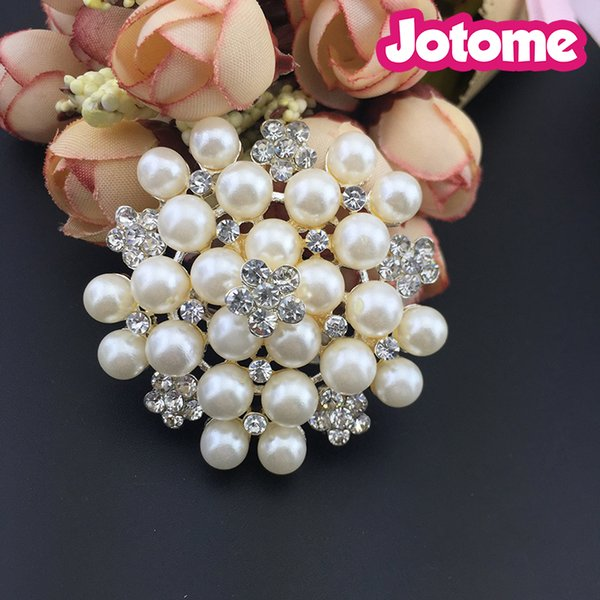 45mm Fashion Jewelry Imitation Pearls Floral Ivory and Silver-Tone Crystal Brooch Pin for wedding invitation