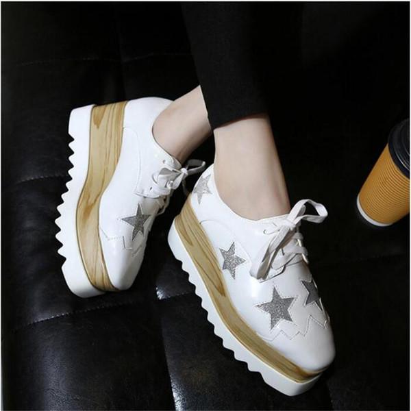 Kadın Platformu Ayakkabı Oxfords Brogue Patent Deri Flats Lace Up Ayakkabı Creepers Vintage Lüks Işık tabanı Rahat Ayakkabılar Altın