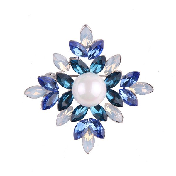High Quality Crystal Rhinestoness Brooches for Women Large Pearl Flower Brooch Pins as Chirstams Gift Scarf Buckle Jewelry