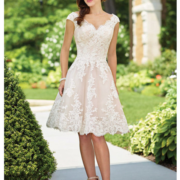 New vintage lace hort wedding dre with cap leeve v neck keen lengh 2019 bridal gown