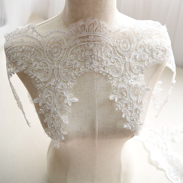 Venta por Yarda 24 cm de ancho Blanco bordado velo nupcial francés Vestido de boda del cordón del ajuste del cordón Decoración del partido del cordón con lentejuelas de PVC