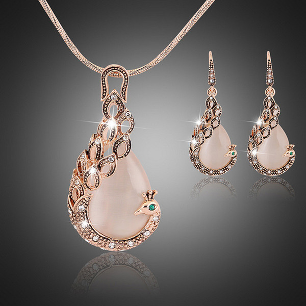 top popular Women ladies peacock crystal rhinestone pendant necklace drop earring set fashion waterdrop jewelry set gift for love 2021