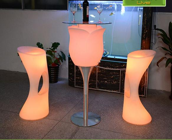 Plastic LED Light Up Flower Floor Lamp Rechargeable Luminous colorful Rose Shape cocktail coffeee table for Wed Event Decoration