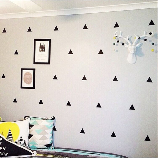 80 pieces/lot Triangle Wall Stickers Removable Wall Decals Nursery Decor Wall Art Home Decor Black and White Instagram Room Baby Design New