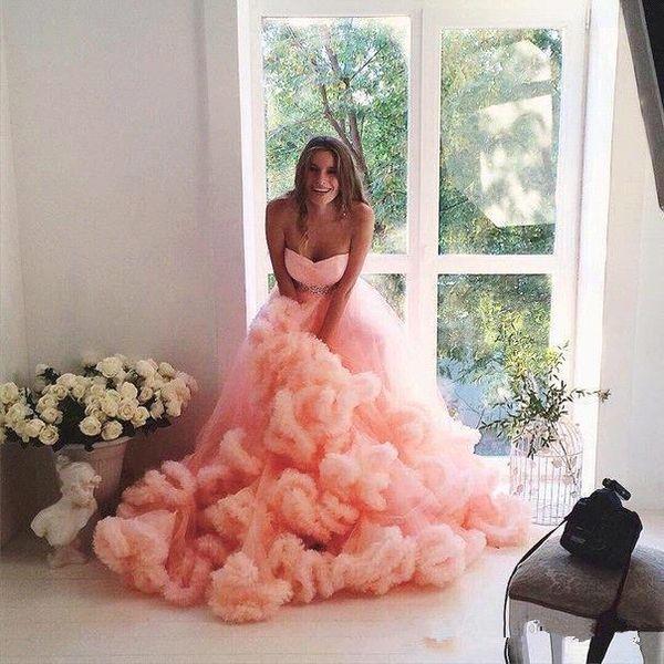 Onda Camada Camadas Saias Long Train Pêssego vestido de Baile Vestidos de Casamento 2018 Cascading Ruffles Vestidos de Noiva com Sash