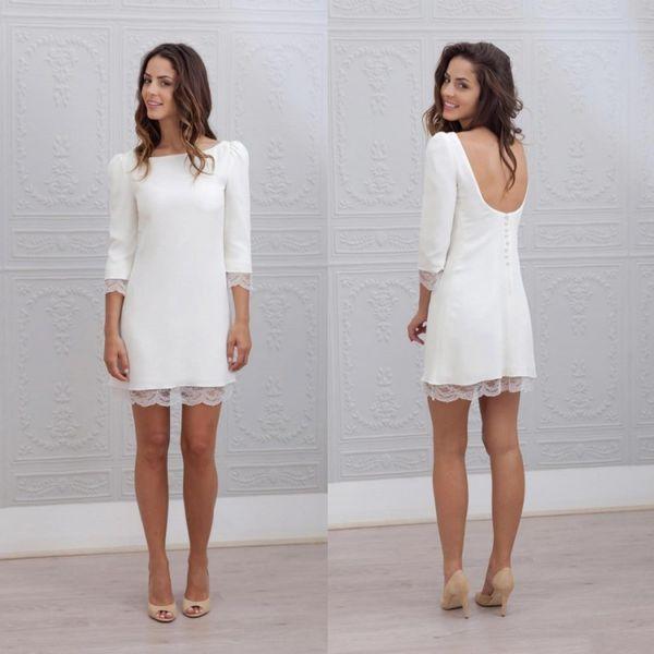2018 White Short Mini Mantel ausgestattet Brautkleider 3/4 Ärmel Sexy Backless informellen Strand Casual Empfang Brautkleider