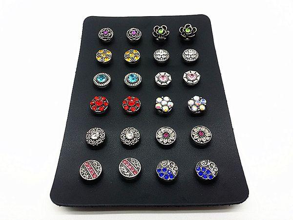ein Satz Frauen 12 Paare (24pcs) mischen 12mm Mini Druckknöpfe für Ohrringe mit einem Displayhalter