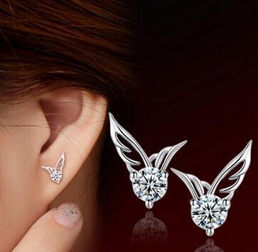 Mujeres de la moda Alas de ángel Pendientes de botón Corea del Sur Bohemia Oro blanco superpuesto Joyas para orejas 925-Plata de ley Cristal austriaco Ala de ángel