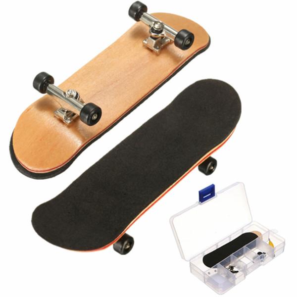 Doigtier En Bois D'érable Mini Doigts De Sports Skateboard Noir Roulements Roulettes Enfants Jeu Cadeau 100mmx28mmx15mm