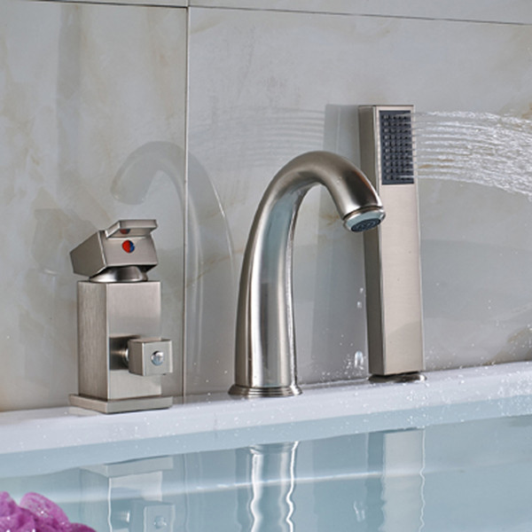 Groß- und Kleinhandel Wasserfall 3pcs Badezimmer Badewanne Wasserhahn einzigen Griff Wand montiert gebürstet Nickel Messing Mischbatterie