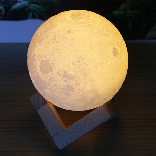 3.9 pulgadas Lámpara de Luna 3D Recargable Lunar Night Light Touch Control Dos Tonos Iluminación cálida y fresca con soporte de madera Caja de regalo