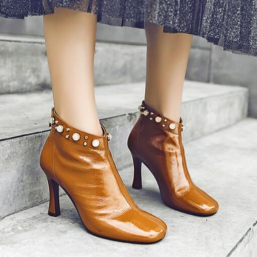 Pérola embelezada Zipper Ankle Boots Elegantes sapatos de couro de cor marrom quadrado Toe