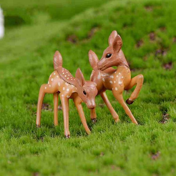 best selling Miniature Deer Lover Cartoon Fawn Doll Moss Terrarium Creative Craft Micro Landscape Ornaments Desktop DIY Accessories Zakka Fairy Garden