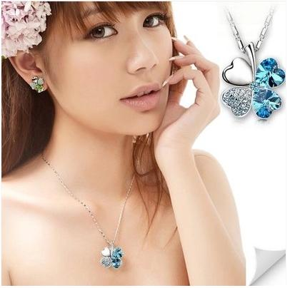 Wholesale 18K Platinum Plated Women Clover Pendant Necklaces Genuine Austrian Crystal Fashion Costume Necklace Jewelry For Women B14