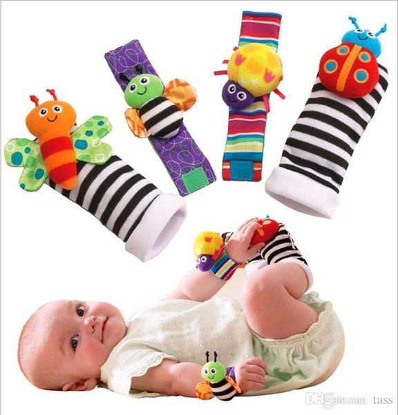 Art und Weise neue Ankunft Baby Rassel Baby Spielzeug Lamaze Plüsch Garten Bug Wrist Rattle + Fuß Socken 4 Stile schnelle Versand W1129