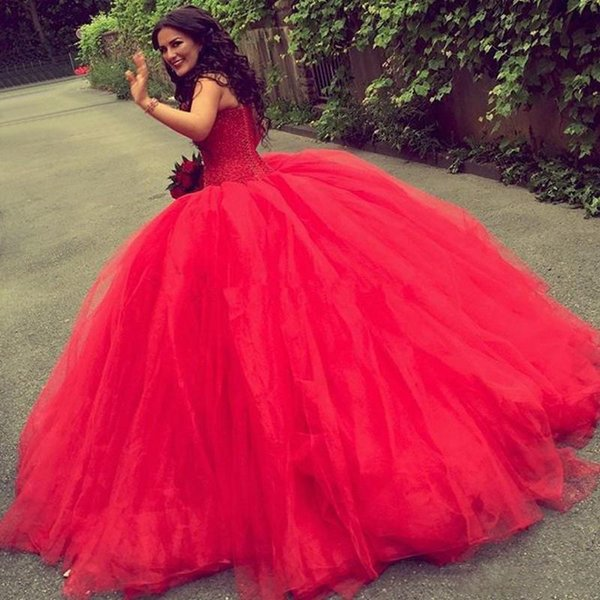 Red Wedding Dresses 2018 Strapless Tulle Ball Gown Bridal Gowns Lace Up Back Sweep Train Wedding Vestidos Custom Made