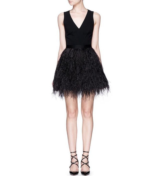 2019 Sexy Little Black V-Neck Dresses Short Cocktail Party Fashion Feather Backless Evening Dresses Mini Black Formal Homecoming Prom Gowns