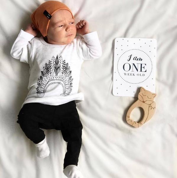 Ins Infant Baby Clothing Set Kids Boys 2pcs Clothes Suit Cotton Long Sleeve White Tops T-shirt + Black Pants Children Outfits 3504