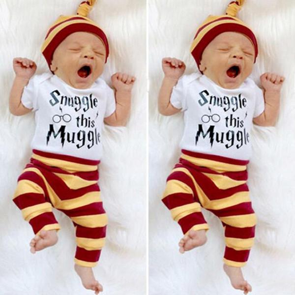 Conjuntos de Roupas de Bebê INS Carta Infantil Bodysuit Stripe Calças Chapéu 3 PCS Conjuntos de Roupas Recém-nascidos Roupas Snuggle esta Impressão Trouxa DHT196
