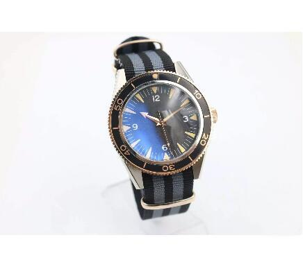 Automatic Watch Top Quality Brand Spectre Master 300 Yellow Case Black Dial Fabric Belt Transparent Glass Back Mechanial Watch H54