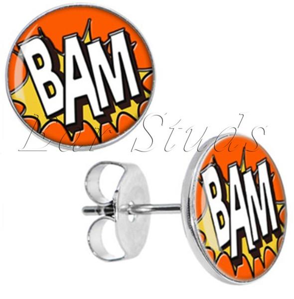 50 adet / grup Paslanmaz Çelik Comic BAM Kulak Saplama Küpe Sahte Fişler Çapı 10mm * 16g ZCST-038