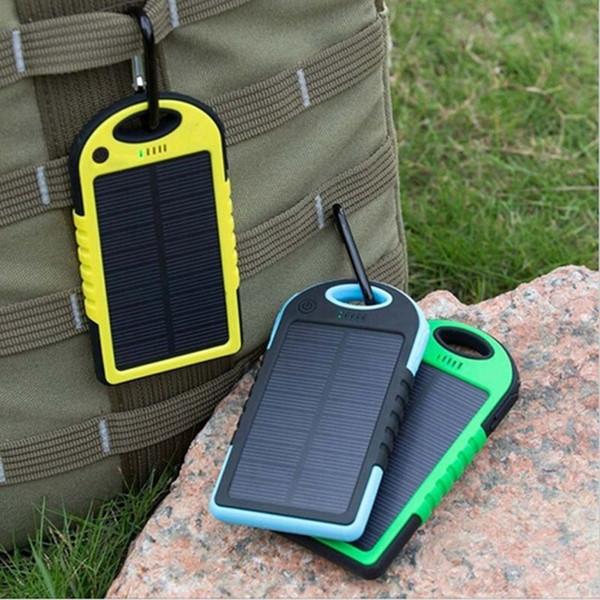 vendita calda caricatore solare 5000 mah dual-usb resistenza portatile portatile di energia solare 5000mah rapel batteria esterna per smartphone