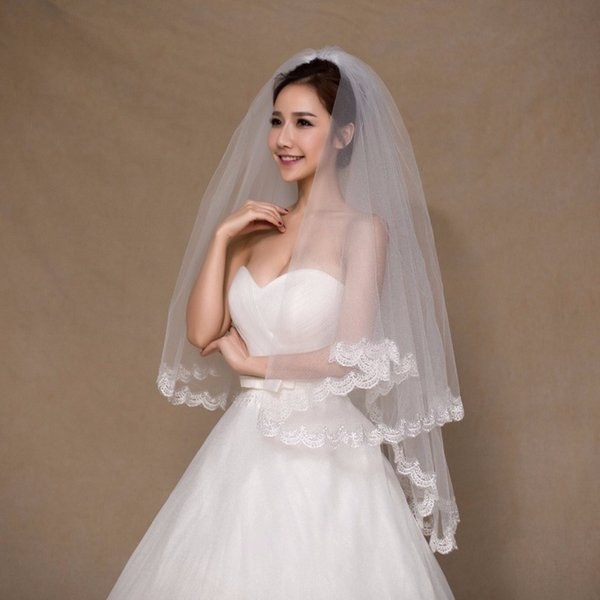 White Ivory 2 Color Elegant Bridal Veils 1.5 Meters 2 Layers Long Tulle Cheap Lace Short Wedding Veils With Comb Free Shipping CPA858