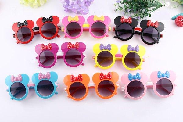New Kids Occhiali da sole Lovely Bowtie Bambini Occhiali da sole Flip Up Mouse Forma dell'orecchio Lenti doppie 8 colori