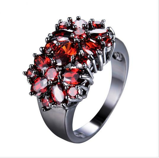 Retro- Blumen-Form-rote Zircon-Ringe für Frauen-Dame Black Gold füllte Hochzeits-Party-Verlobungsring Anel-Modeschmuck