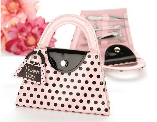 top popular FREE SHIPPING Wedding Favors Pink Polka Dot Purse Manicure Set Bridal Shower Gift Pedicure Kit For Guest 2019