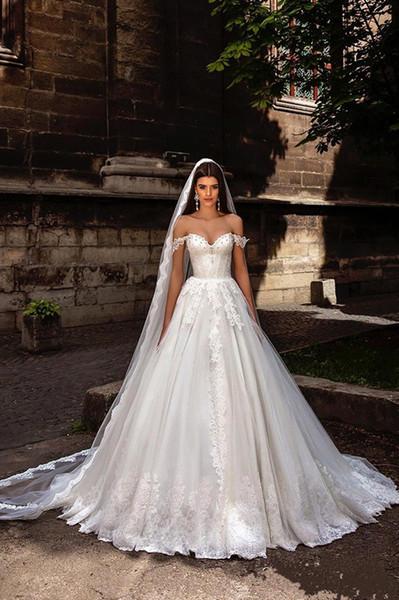 2017 Vestidos de novia sin tirantes atractivos de la línea del hombro Apliques de encaje cristalinos modernos más el tamaño maternidad Vestidos de novia árabes de la playa Boho