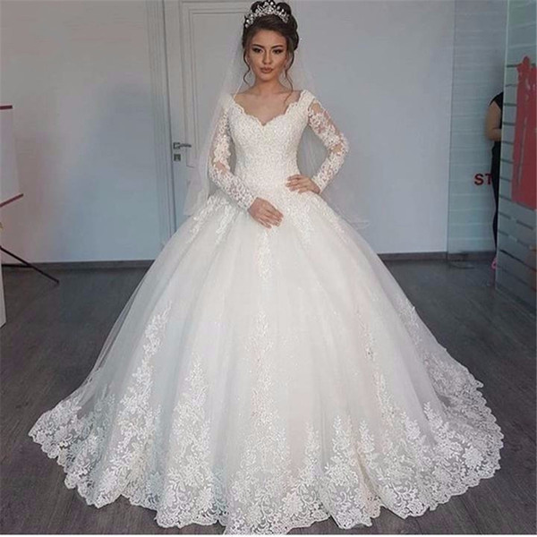 top popular Gorgeous V-neck Ball Gown Long Sleeve Wedding Dresses 2020 Lace Applique White Wedding Gowns robe de mariage 2021