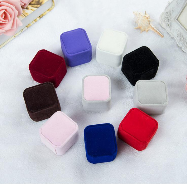 best selling 2017 new fashion 10 color square velvet jewelry box red gadget box necklace ring earrings box J015