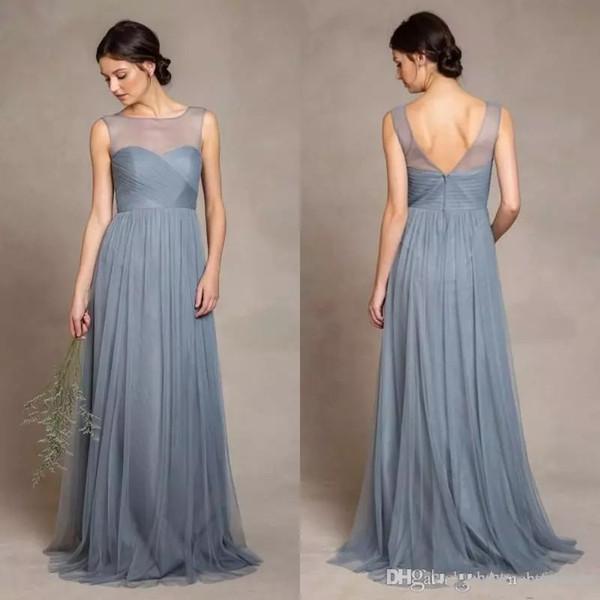 Dusty Grey Tüll Brautjungfer Kleider Illusion Schaufel-Ausschnitt faltet Mieder eine Linie Fußboden-Länge elegante Frauen Hochzeit Kleid