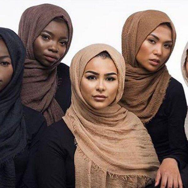Großhandel Hijab Blase Plain Maxi Schals Schal Crimp ausgefranste Kanten Hijab Baumwolle Schal Schalldämpfer Pashmina Muslim Wrap Schals