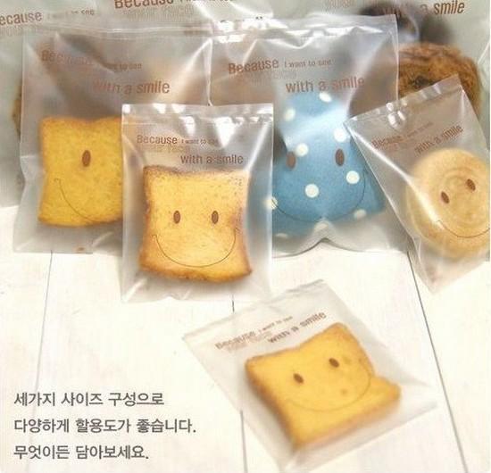 Dull Polish auto-adhésif en plastique cookie muffin gâteau sacs à pain pour cadeau nourriture emballage cadeau de boulangerie pour les fournitures de fête de mariage