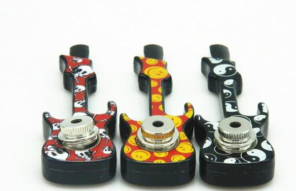 Violon Guitare En Forme De Fumer Pipe En Métal Jamaïque Reggae Main Tabac À Cigarette Pipes Avec Couvercle Maille Accessoires multiple couleur