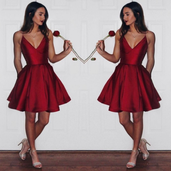 Compre Venta Caliente Corto Vino Rojo Vestido De Cóctel Satén Correa De Espagueti Borgoña Vestido De Fiesta Por Encargo Pequeños Vestidos De Baile
