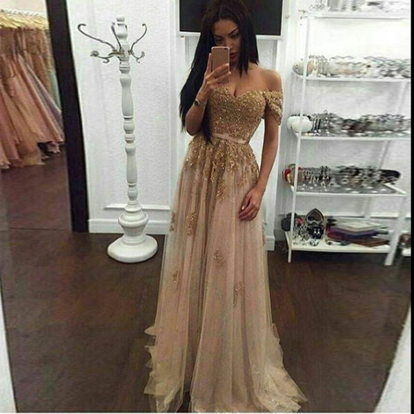 top popular Champagne Lace Beaded Arabic Evening Dresses Sweetheart A-line Tulle Prom Dresses Vintage Cheap Formal Party Gowns 2020