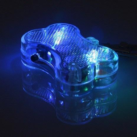 Conception d'os LED Pendentif Chiot Sécurité Nuit Light-Up Pet Chien Keychain Tags Pendentif Pet ID Chien Adresse Tag Étiquette
