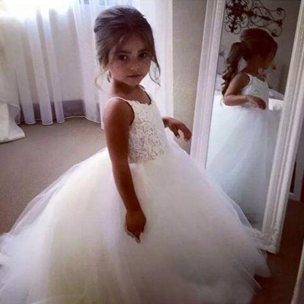 Princess Tulle Flower Girl Dresses for Weddings 2017 Spaghetti Straps Lace Appliques Top Puffy Full Length Flowergirl Dresses Custom Made