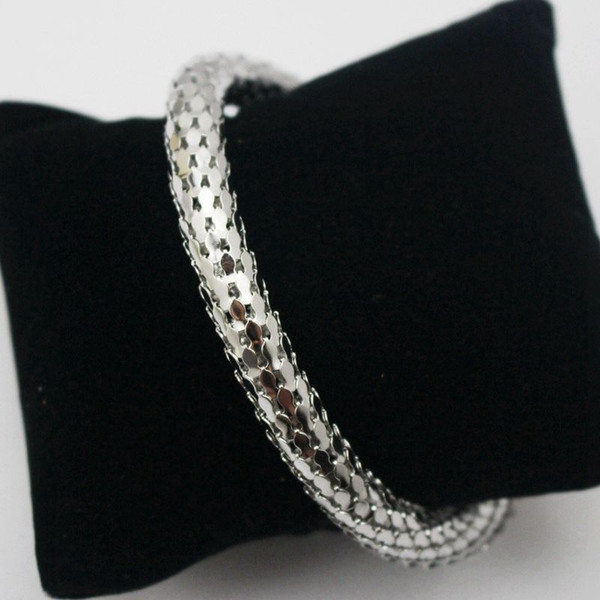 New Arrival Vintage Punk Stainless Steel Curved Stretch Cuff Bangle Retro Snake Magnet Bracelet Shiny Silver Hand Jewelry Women