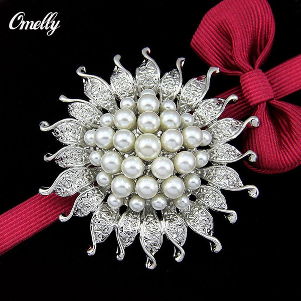 Vintage Elegant Silver Plated Rhinestone Crystal White Pearl Cluster Flower Bridal Brooch Pin Jewelry for Women Party Bouquet