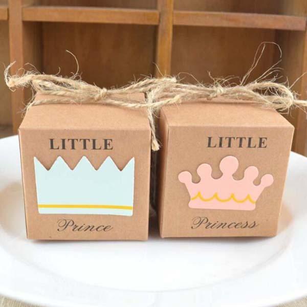 2017 Hot 100pcs Little Prince o Princess Square Kraft Paper Candy Scatole Bomboniere Baby Shower Party Confezione regalo con corde di canapa